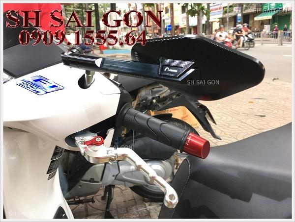Do-choi-bao-tay-thang-kieng-chieu-hau-do-dep-cho-xe-sh-2017-tai-shop-SH-Sai-Gon013